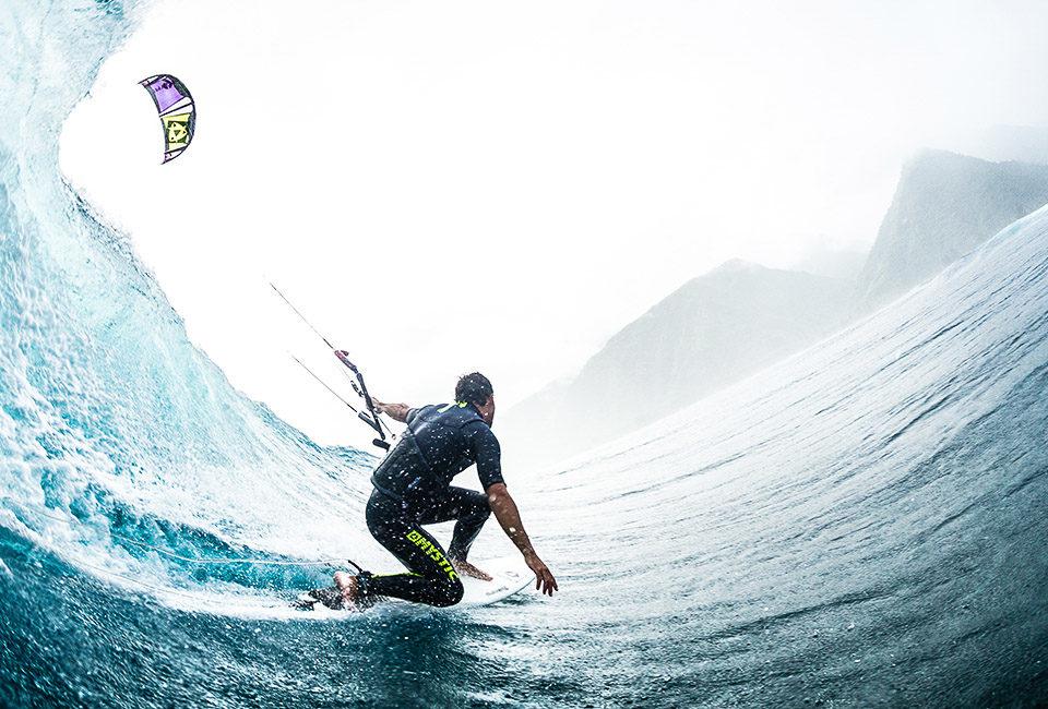 kite-wave-kitesurfing